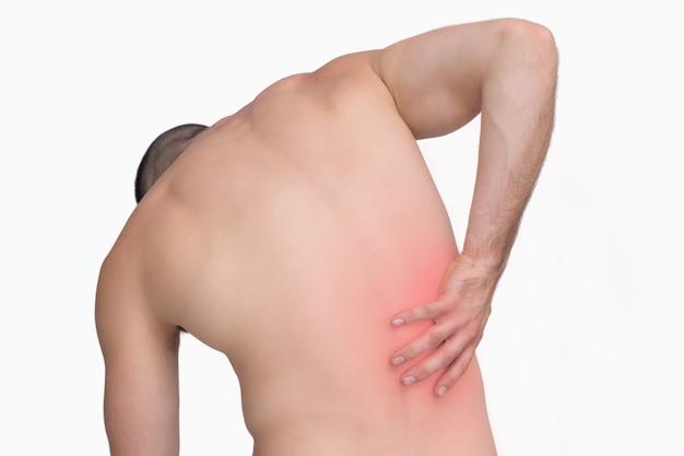 Achteraanzicht van shirtloze man met rugpijn