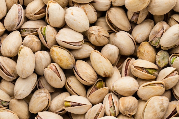 Achtergrond maken van verse zoute pistachenoten