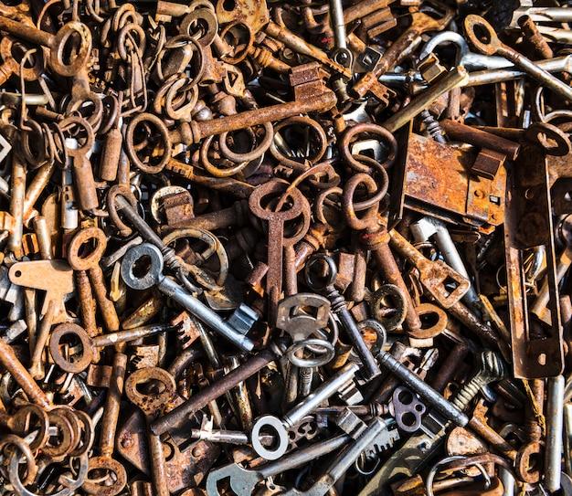 Achtergrond met roestige sleutels