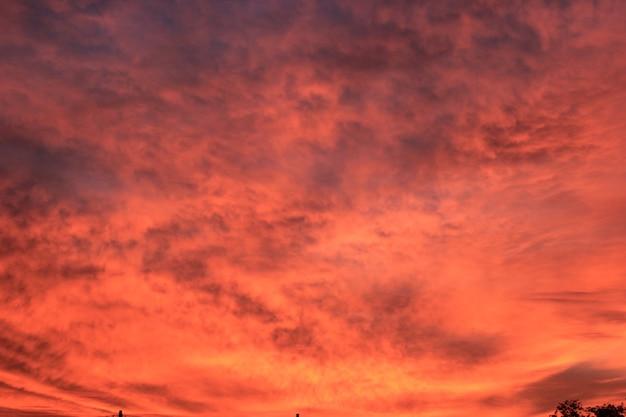 Achtergrond van de lucht tijdens de schemering.