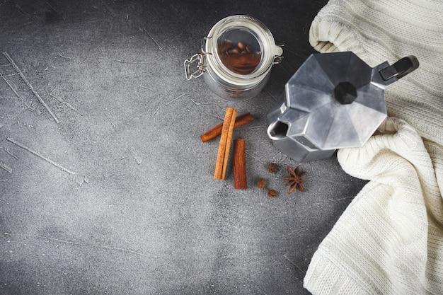 Achtergrond van koffie, kaneel en anijs sterren