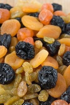 Achtergrond van plakjes gedroogd fruit