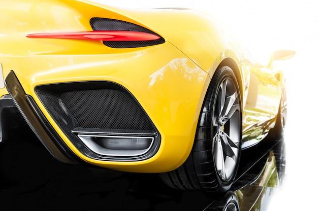 Achterkant van een gele sportwagen