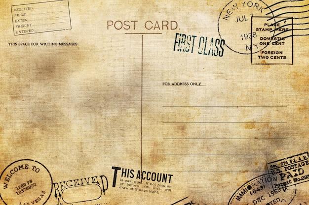 Achterkant van lege briefkaart met vuile vlek
