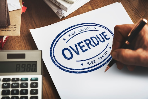 Achterstallige openstaande transactie onbetaald betalingsconcept