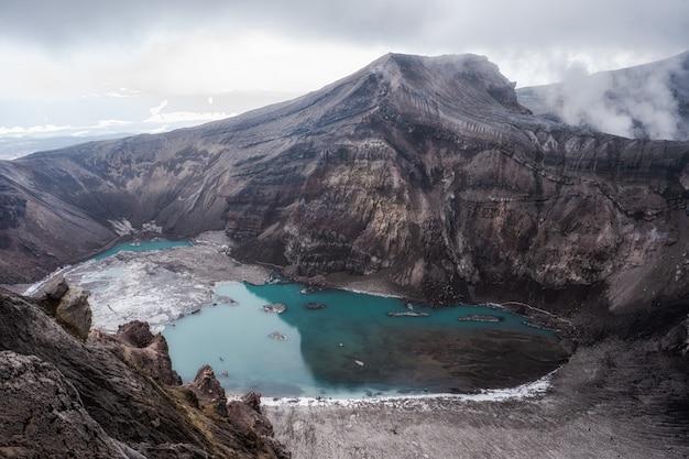 Actieve vulkanische krater, mutnovsky-vulkaan, kamchatka