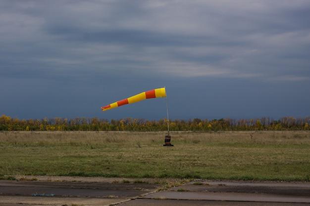 Actieve windzak op de luchthaven