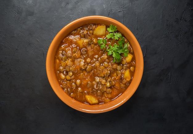Adasi, perzische linzen stoofpot. arabische keuken.