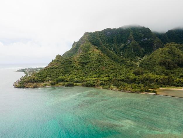 Adembenemend landschap van hawaï met de zee