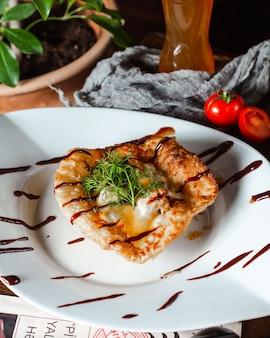 Adjaruli met ei op de tafel
