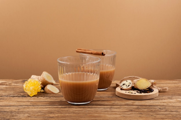 Adrak chai - traditionele indiase thee.