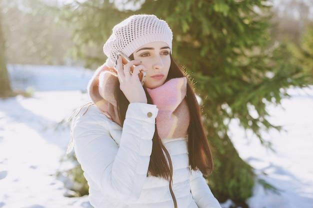 Adult cap winderige koude dag