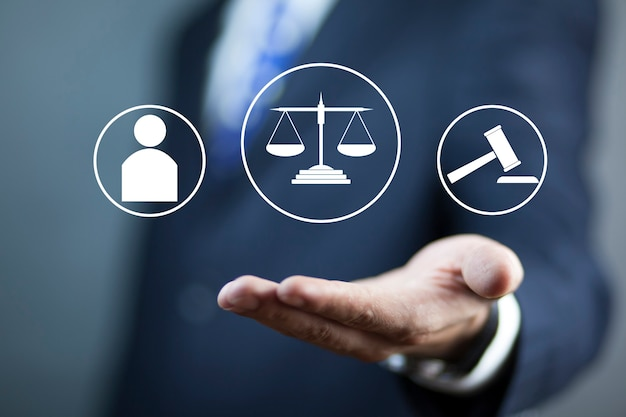 Advocaat overhandigt een rechtvaardigheidsconcept. pictogram van de interface van de wet.