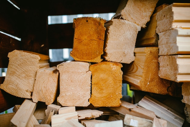 Afgezaagde stukken hout close-up
