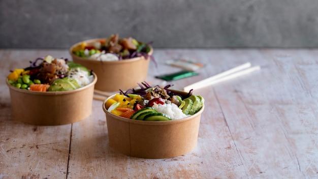 Afhaalmaaltijden ahi tonijn poke bowls fotografie