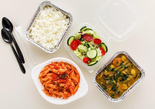 Afhaalmaaltijden in wegwerpverpakkingen
