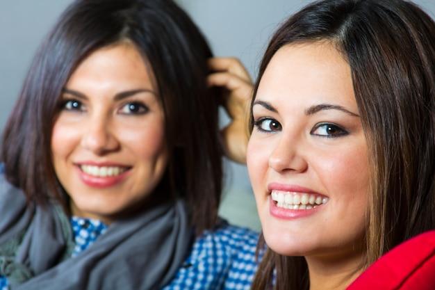 Afleiding sonrisa belleza latina mujer