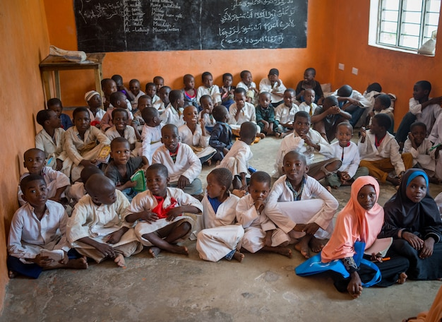 Afrikaans klaslokaal met kinderen 10/12/2018 zanzibar