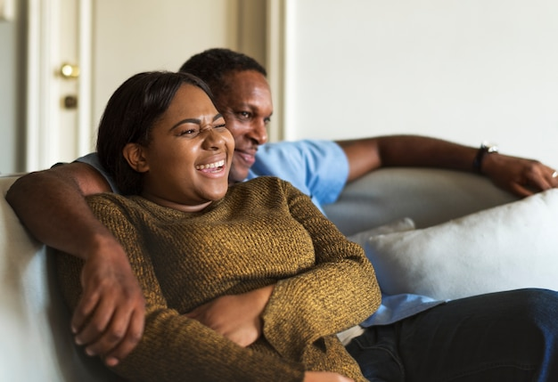 Afrikaans paar dat een geweldige tijd samen heeft