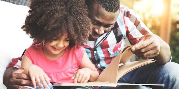 Afrikaanse afro-amerikaanse samen liefde familie geluk