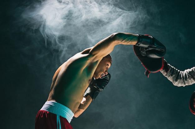 Afro-amerikaanse mannelijke bokser.