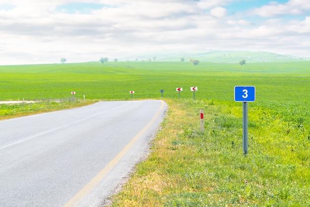 Afstand verkeersbord op de snelweg