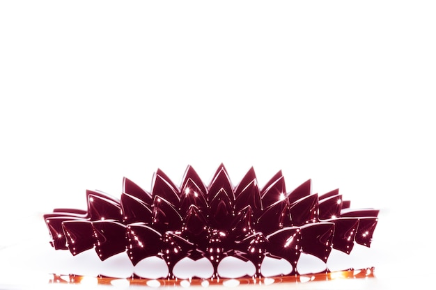 Afstandsschot van ferromagnetisch vloeibaar metaal met exemplaarruimte
