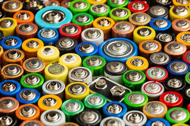 Afval van batterijvervuiling met hoog zicht