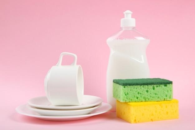 Afwasmiddel op tafel minimalisme ruimte voor tekst