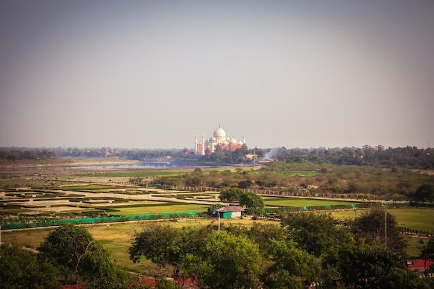 Agra-tuinen en taj mahal in india