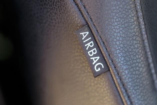 Airbag teken in de auto. auto veiligheidsconcept.