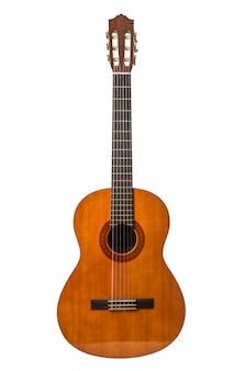 Akoestische gitaar die op wit wordt geïsoleerd