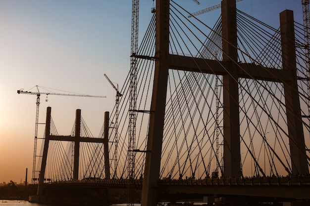 Al faraj tahya misr-brug, de breedste ter wereld tijdens de bouw