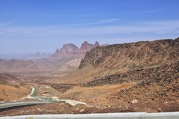 Al shaq great canyon in saoedi-arabië