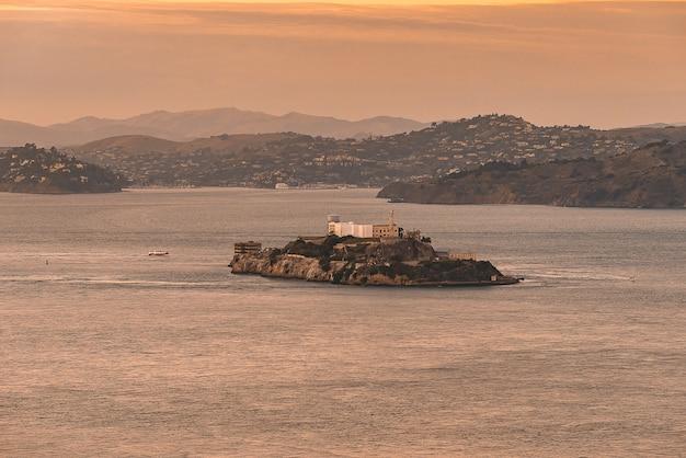 Alcatraz gevangeniseiland, famaous-oriëntatiepunt van san francisco