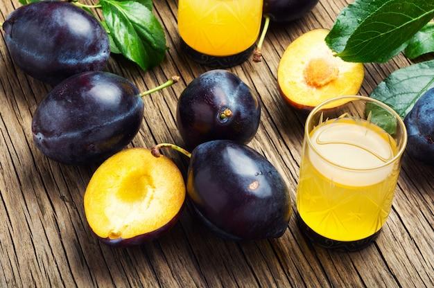 Alcoholisch drankje van plum