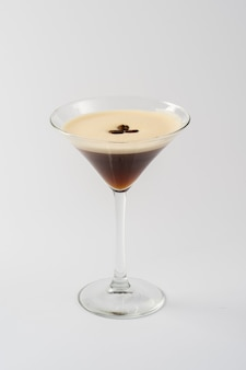 Alcoholische koffiecocktail in glasglas