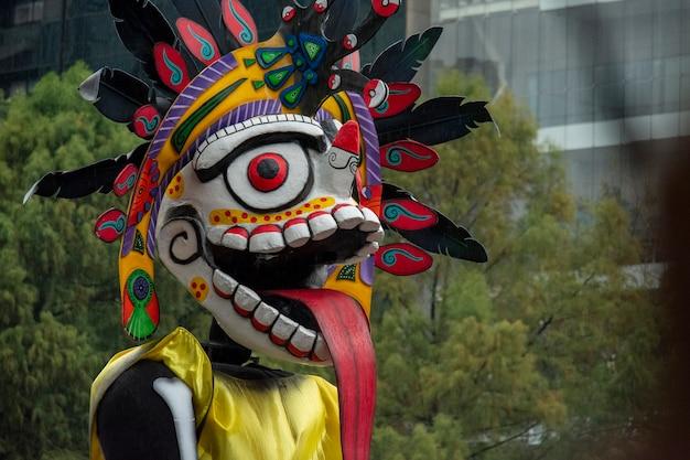 Alebrije in reforma dag van de doden-parade in mexico-stad