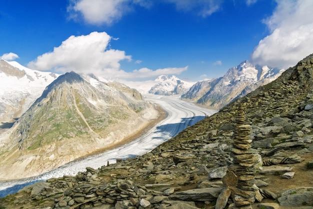 Aletschgletsjer in alpen, de zomer in bergen, zwitserland