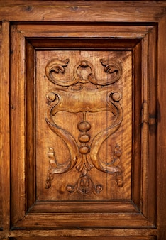 Alhambra carlos v houten deur granada