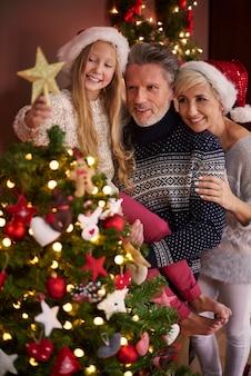 Alleen de punt en de kerstboom is klaar