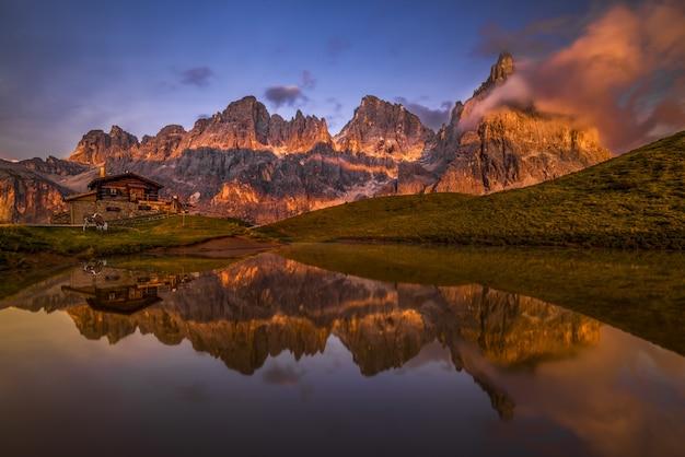 Alpine zonsondergang