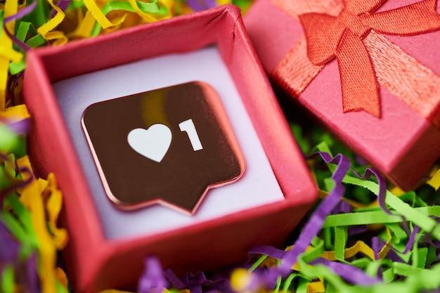Als symboolhanger in geschenkverpakking