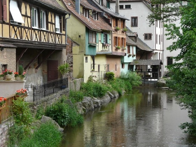 Alsace rivier gebouw truss