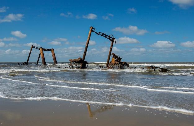 Altair-schip gestrand op cassino-strand rio grande rio grande do sul brazil
