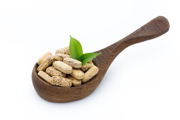 Alternatief medicijn. vitamine capsules. homeopathisch supplement.