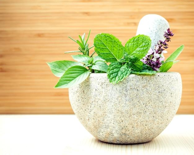 Alternatieve gezondheidszorg en fytotherapie.