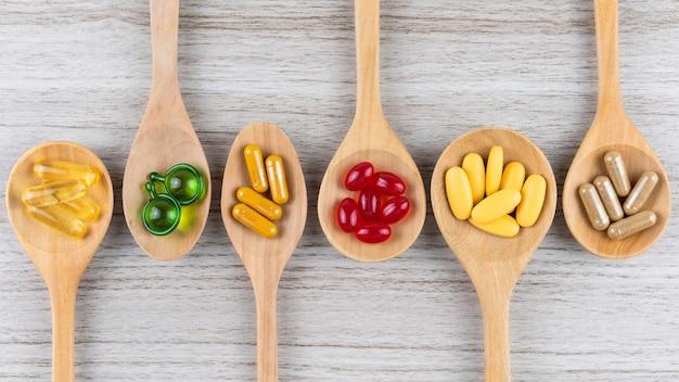 Alternatieve kruidengeneeskunde capsule, vitamine en supplement van natuurlijke