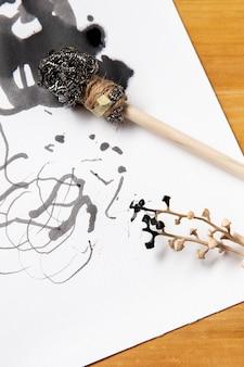 Alternatieve moderne penselen met inkt