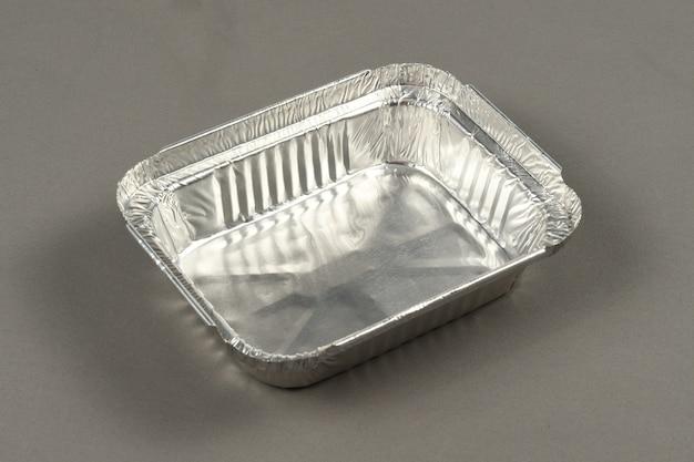 Aluminium bakje voor het plaatsen van voedsel dat moet worden verdeeld of ingevroren